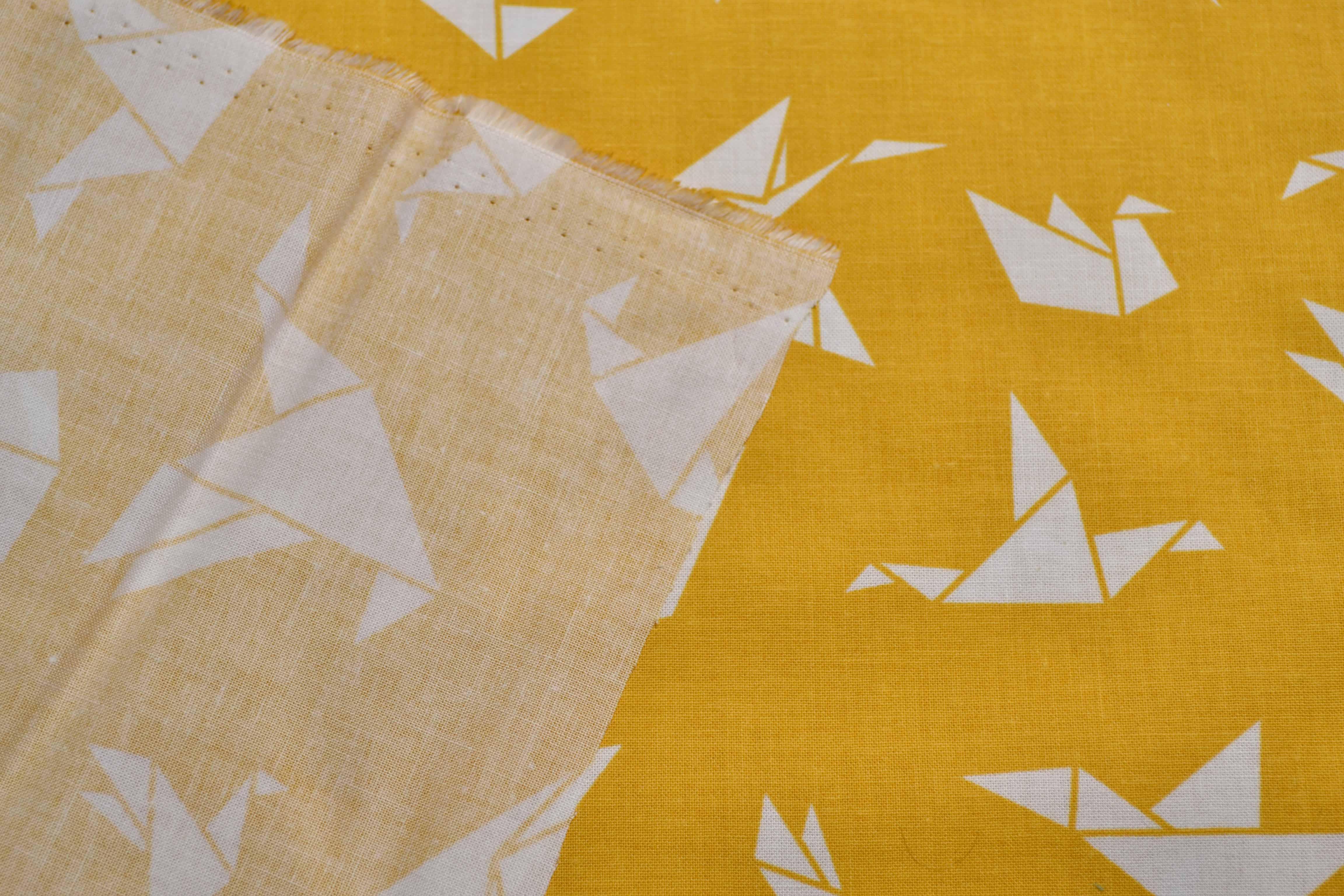 látka-bavlněné-plátno-origami-hořčice